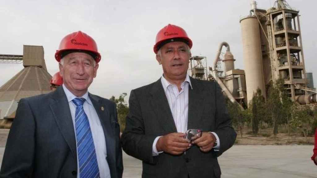 A la derecha, Javier Arenas en una de sus visitas a Almería.