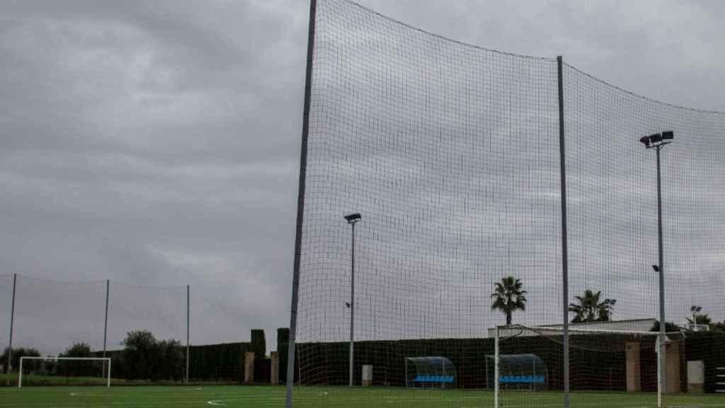 Una pista de fútbol dentro de la finca la Alegría, donde Sergio Ramos entrena con su preparador físico los días que permanece en Bollullos de la Mitación, Sevilla.