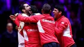 La selección croata celebrando el título