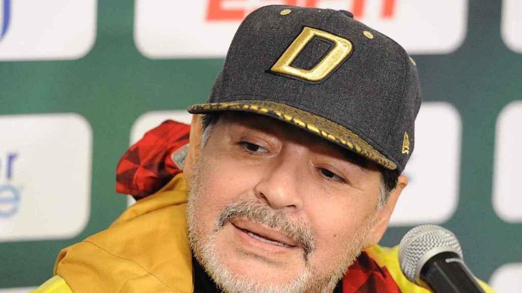 Maradona, en rueda de prensa con a Dorados de Sinaloa