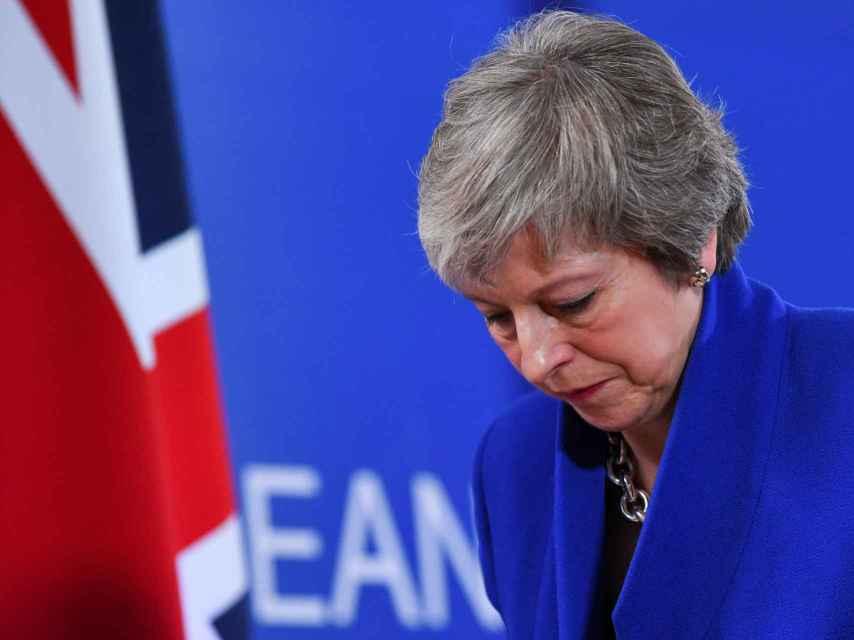 La primera ministra Theresa May intenta salvar el acuerdo del 'brexit'