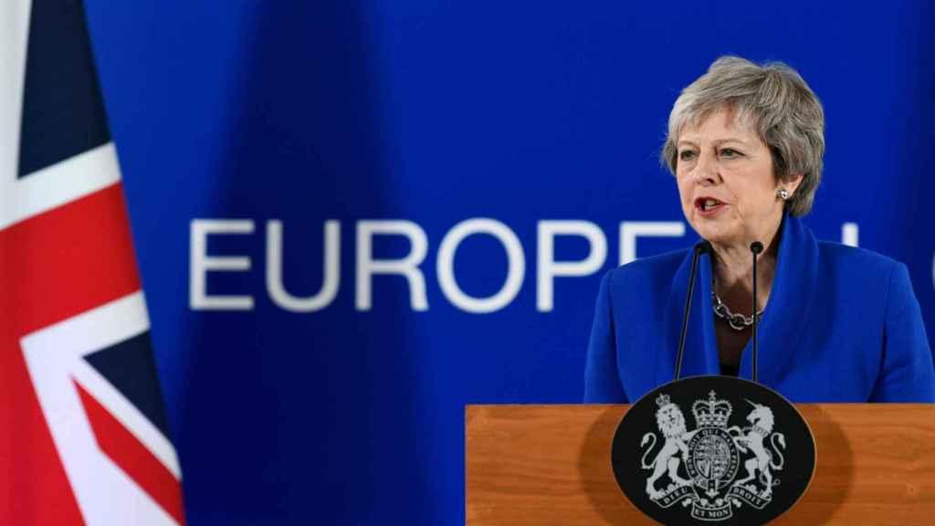 Theresa May, durante la rueda de prensa final de la cumbre del 'brexit'
