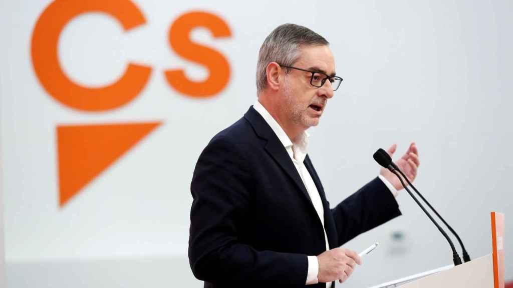 José Manuel Villegas en una rueda de prensa.