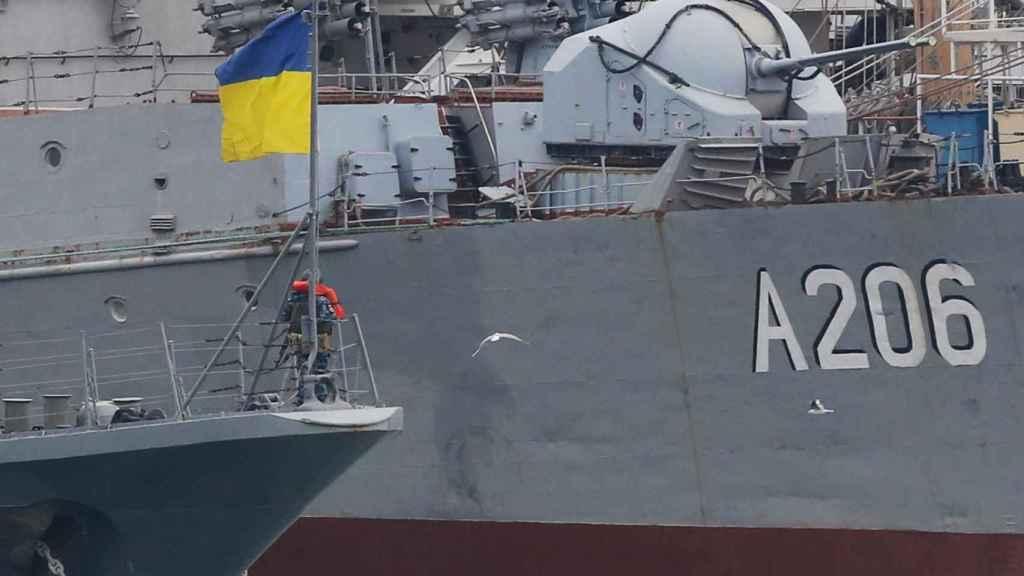 Barcos de guerra de Ucrania atracados en el puerto de Odessa