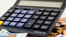 calculadora-facturas-deficit-pixabay