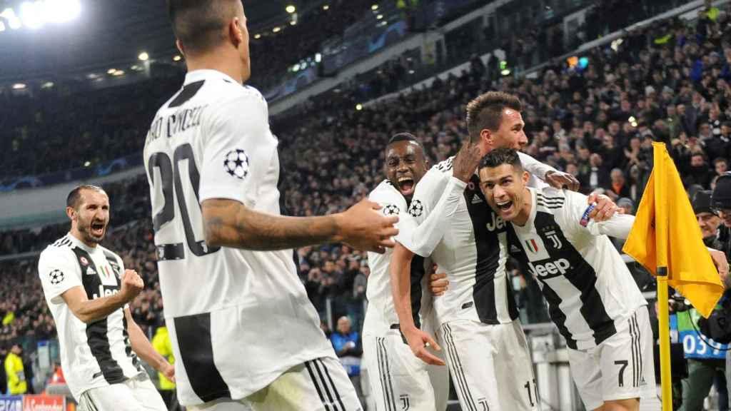 La Juventus celebra su gol ante el Valencia.