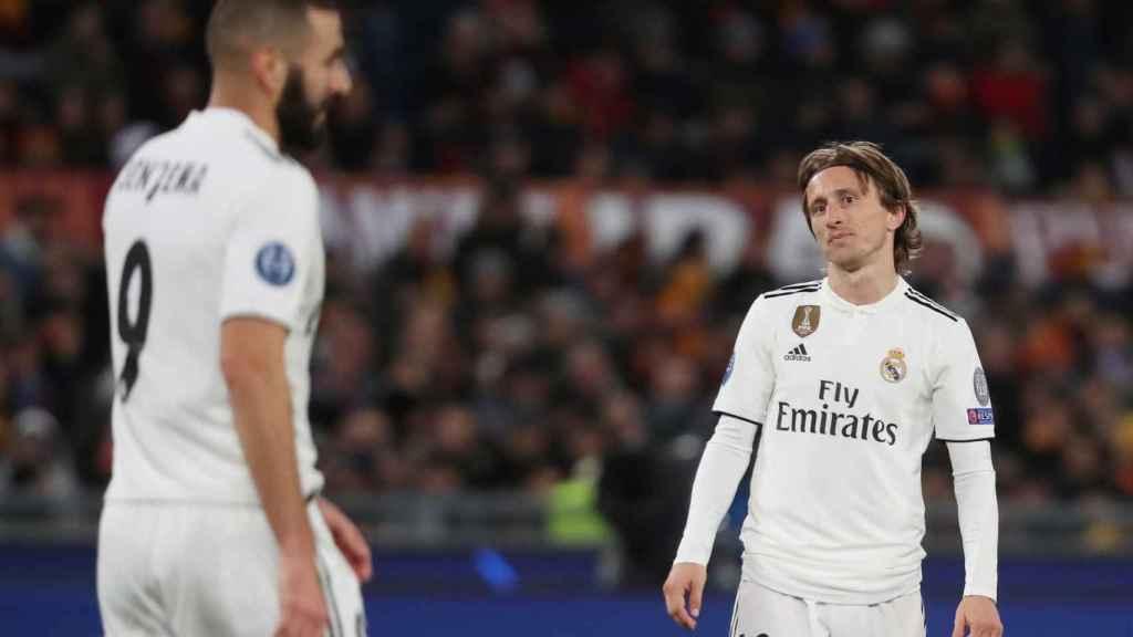 Luka Modric y Karim Benzema durante el partido de Champions frente a la Roma