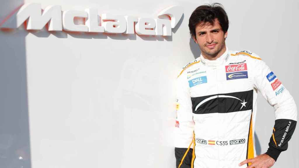 Carlos Sainz, con los colores de McLaren en Abu Dhabi. Foto: Twitter (@McLarenF1)