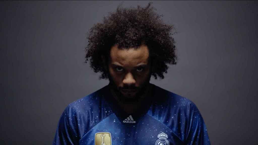 Marcelo, con la nueva cuarta camiseta del Real Madrid
