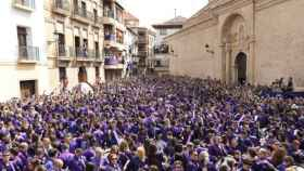 Imagen de una tamborrada en Teruel.