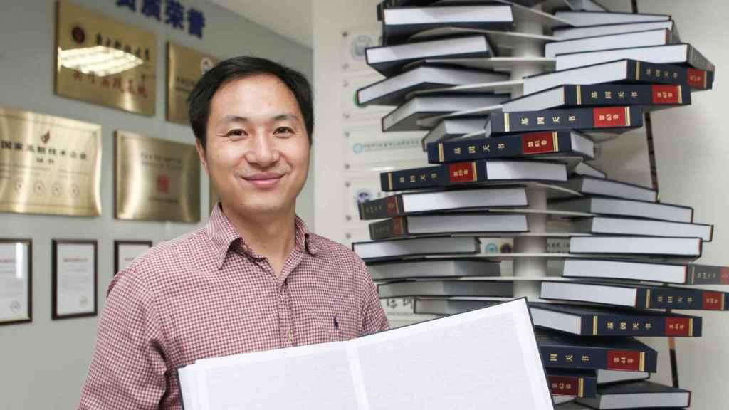 He Jiankui en el laboratorio