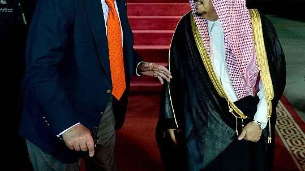 El rey Juan Carlos a su llegada a Riad en Semana Santa.