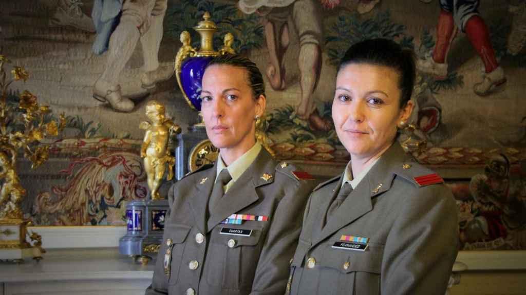 Las cabos Alejandra Cuartas y Margarita Fernández.