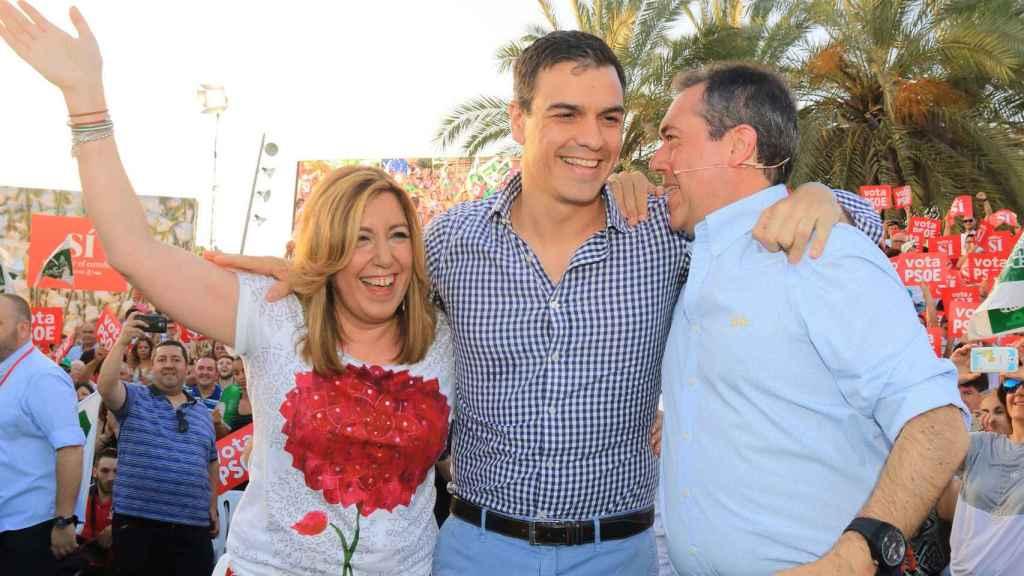 Susana Díaz, Pedro Sánchez y Juan Espadas en un acto conjunto.