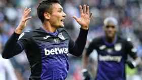 Óscar celebra su gol con el Leganés
