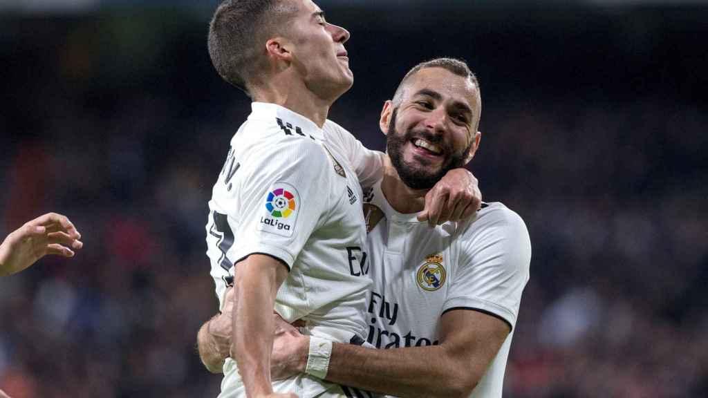Lucas Vázquez y Benzema celebran un gol con el Real Madrid