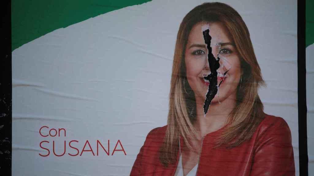 Un poster rasgado de Susana Díaz en Ronda (Málaga)