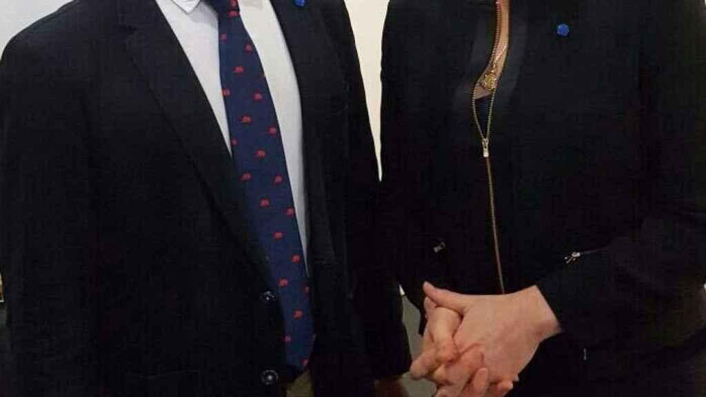 Santiago Abascal y Marine Le Pen en un acto de campaña en las pasadas elecciones francesas en Perpiñán.