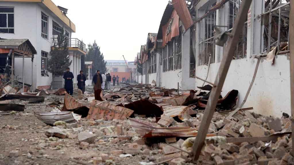 Las consecuencias de una atentado en Kabul, en una imagen de archivo.