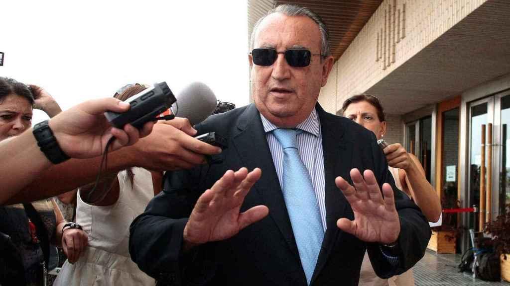 Fabra, a las puertas del juzgado de Castellón.