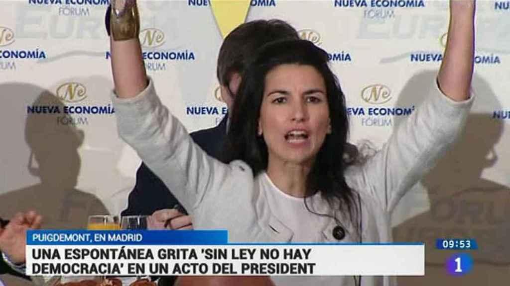 Rocío Monasterio, en un fotograma de TVE durante su protesta.