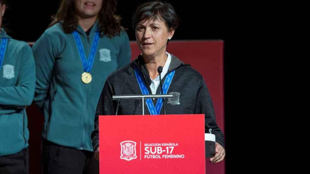 Toña Is, entrenadora de la selección española de fútbol femenino