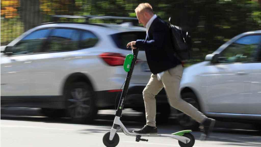 El patinete, una de las opciones para moverse por la ciudad ya presente en las grandes.
