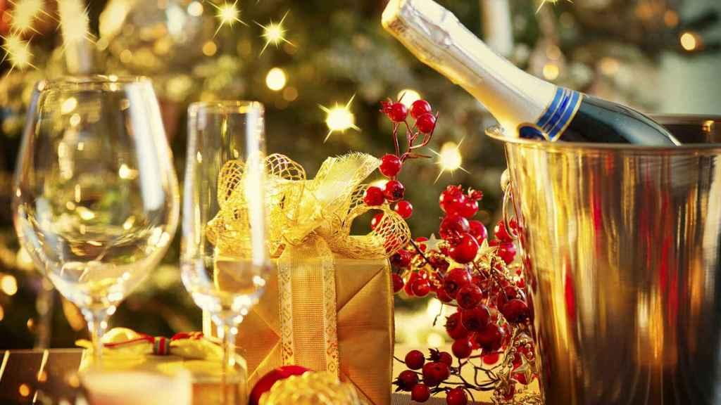 1608x900_christmas-food-and-wine