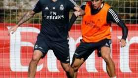 Vallejo e Isco en un entrenamiento del Real Madrid