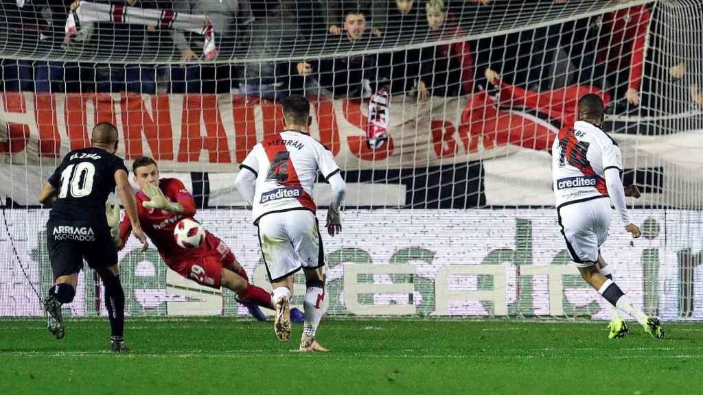 Lunin para un penalti contra el Rayo Vallecano en Copa del Rey
