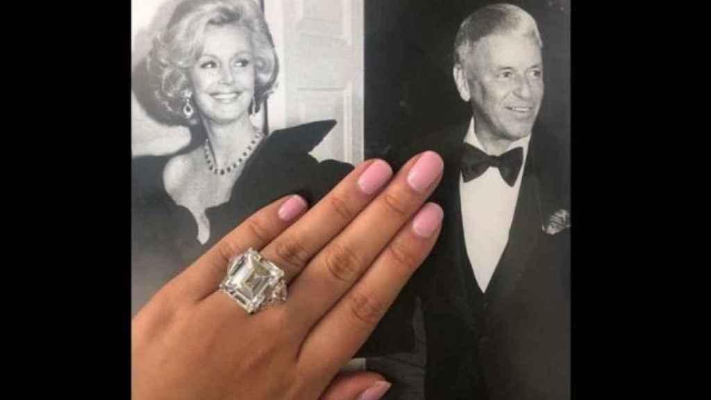 El anillo de Barbara Sinatra.