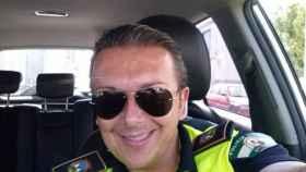 Tejero, policía local expedientado de Puente Genil, enfrentado desde hace años al que fuera su jefe, Lorenzo Humánez.