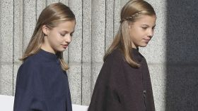 Leonor y Sofía llegando al Congreso.