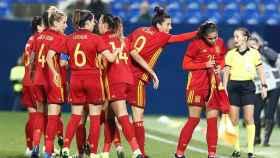Selección española femenina. Twitter: (@mariona8co