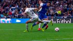 Penalti a favor del Melilla en el Santiago Bernabéu