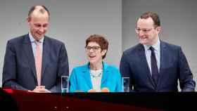 Los candidatos a liderar la CDU, Friedrich Merz, Annegret Kramp-Karrenbauer y Jens Spahn.
