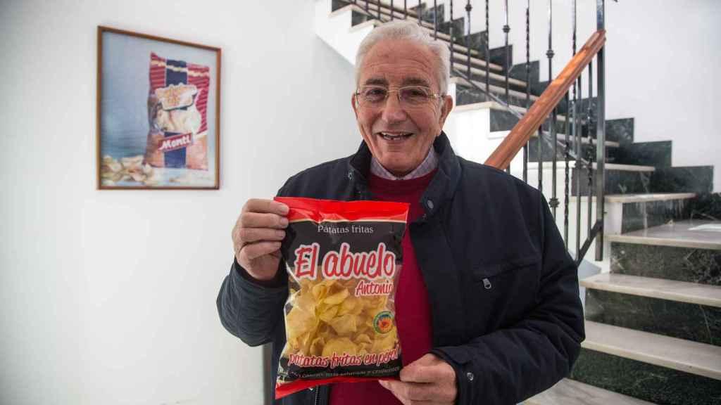 Patatas al perol que Patatas Monti fabrica bajo la denominación de 'El Abuelo Antonio' en homenaje a su fundador.