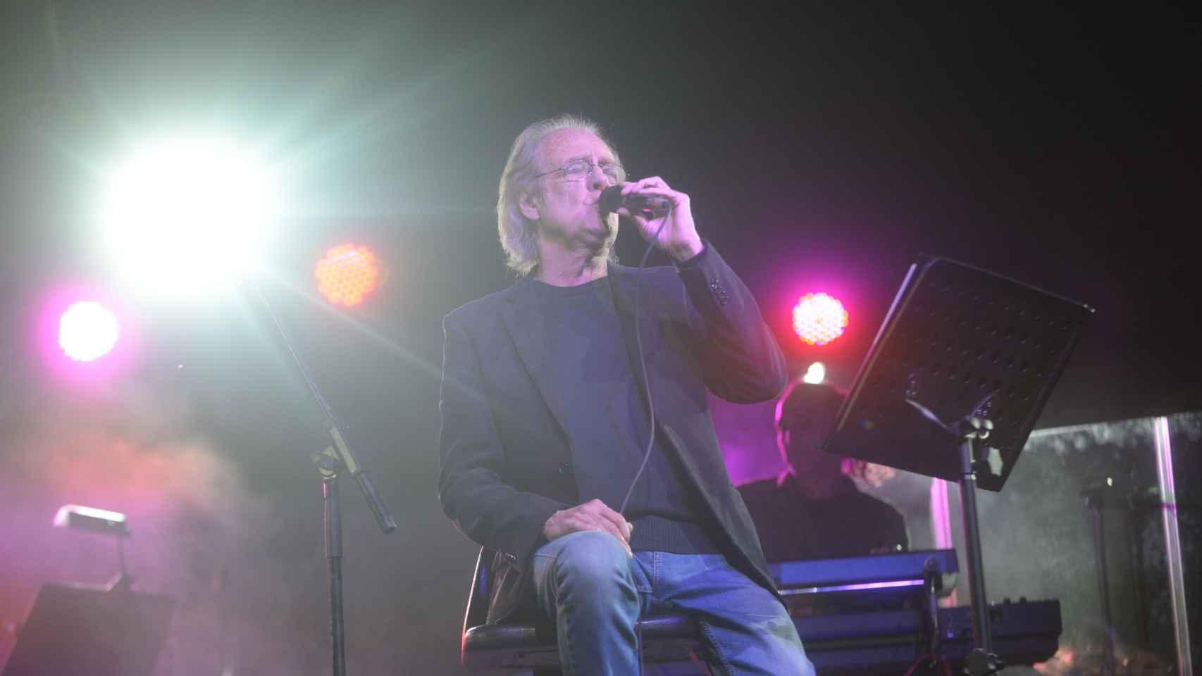 Luis Eduardo Aute en 2016, durante uno de sus últimos conciertos.
