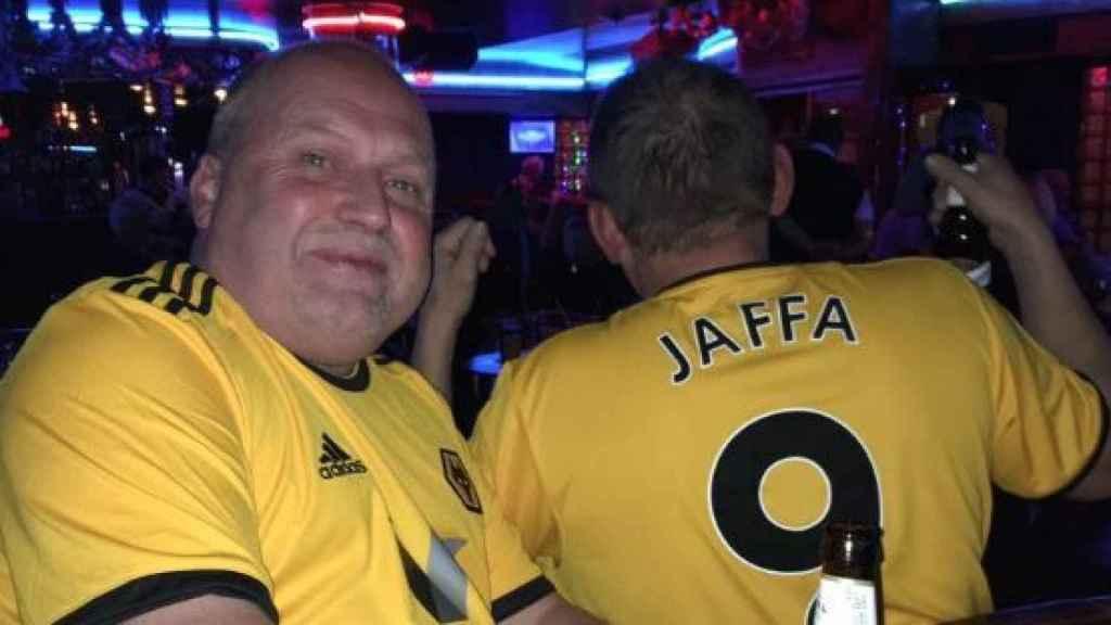 El seguidor del Wolverhampton en Benidorm.