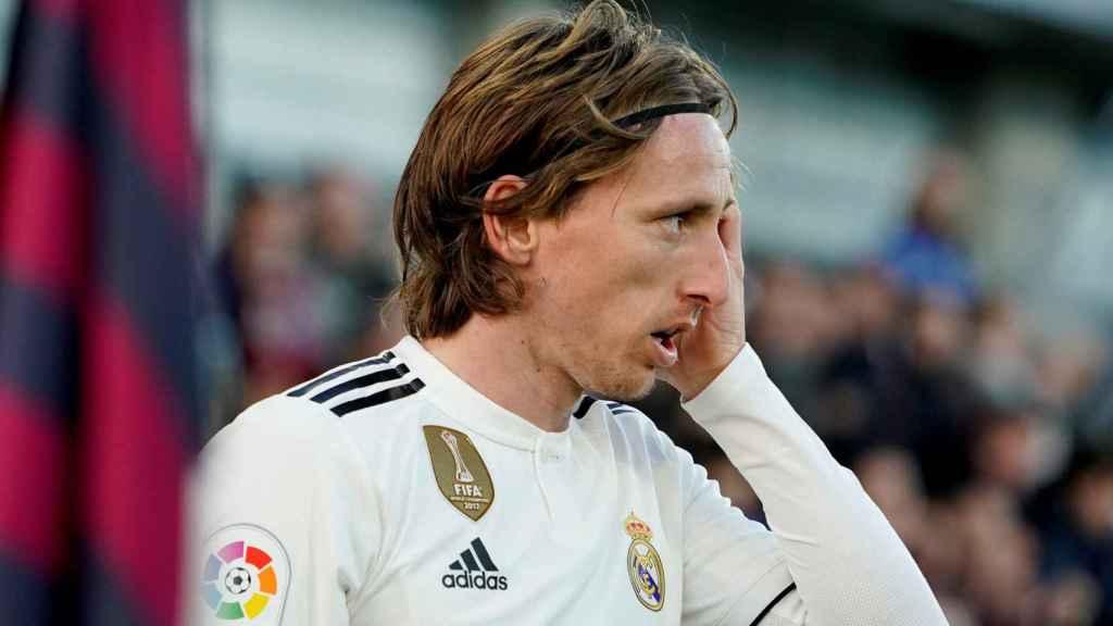 Modric, durante el Huesca - Real Madrid