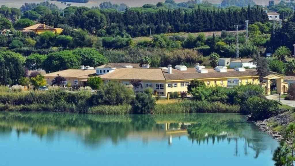 Vista general de la residencia Lago de Arcos.