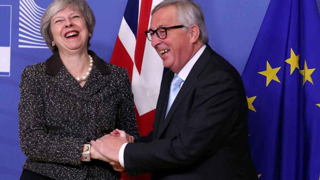 May se ha reunido este martes en Bruselas con Juncker