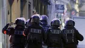 Efectivos del BRI por las calles de Estrasburgo