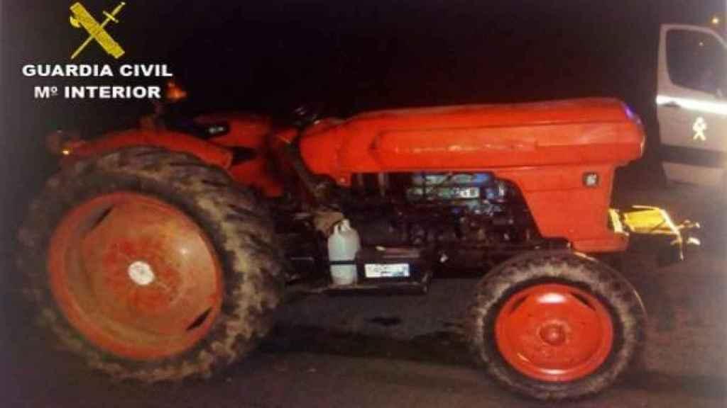 El tractor que conducía el hombre por O Porriño