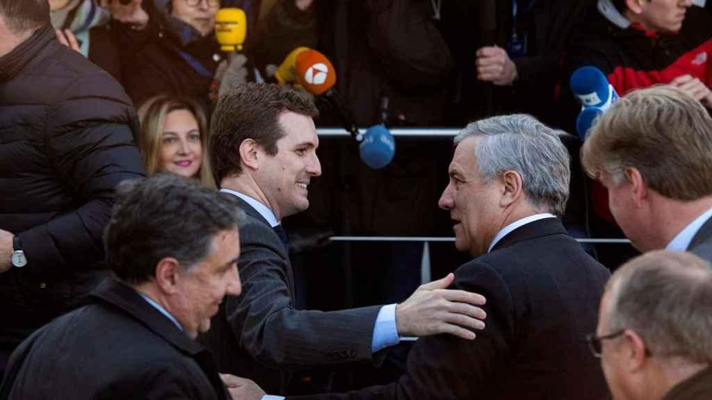 Casado saluda al presidente de la Eurocámara en Bruselas