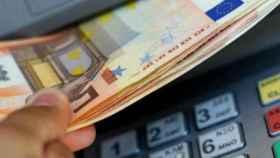 El pago con tarjeta se impone a la retirada de efectivo de los cajeros