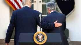 Powell+Trump+Reuters