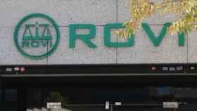 Rótulo en una centro de trabajo de Rovi.