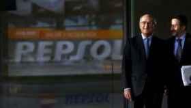 Repsol entra de lleno en el sector eléctrico tras comprar activos por 750 millones a Viesgo