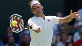 Federer+Uniqlo+Reuters